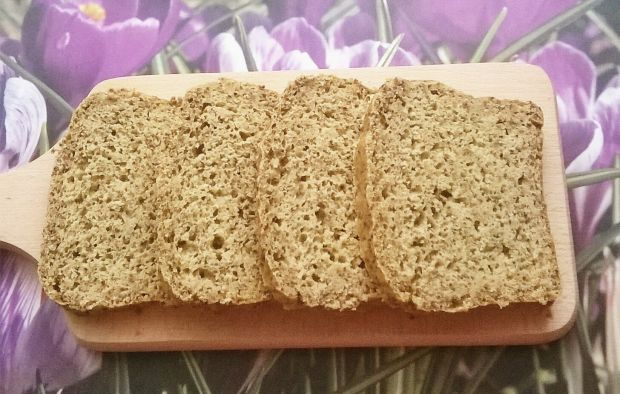 Chleb orkiszowo - kukurydziano - orzechowy z chia