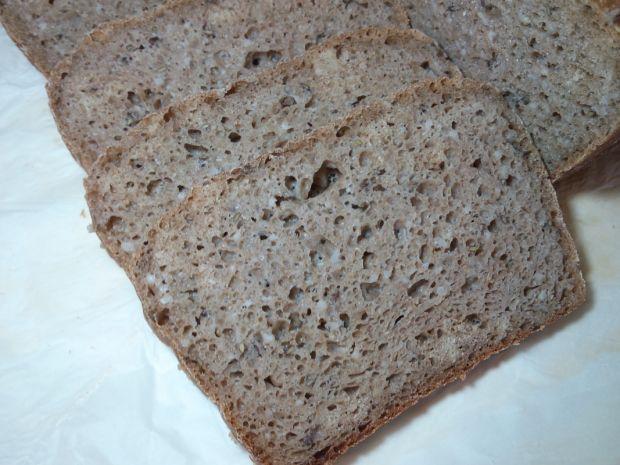 Chleb orkiszowy z kaszą jęczmienną