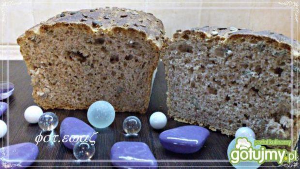 Chleb pszenno grahamowy z ziarnami