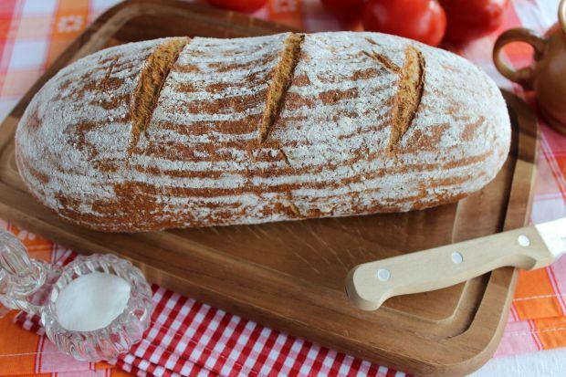 Chleb pszenny razowy na zakwasie