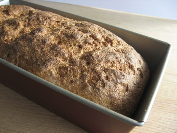 Chleb razowy z otrębami żytnimi