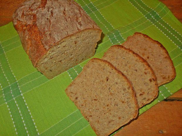 Chleb z kaszą jaglaną i cebulą