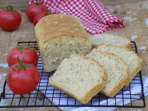 Chleb z płatkami owsianymi, sezamem i słonecznikie
