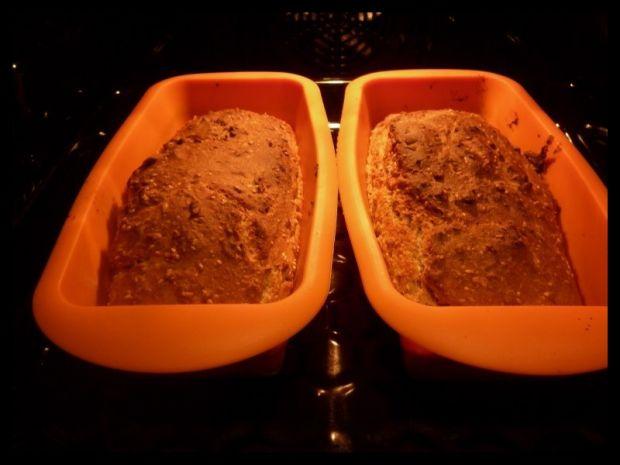 Chlebek wieloziarnisty na maślance