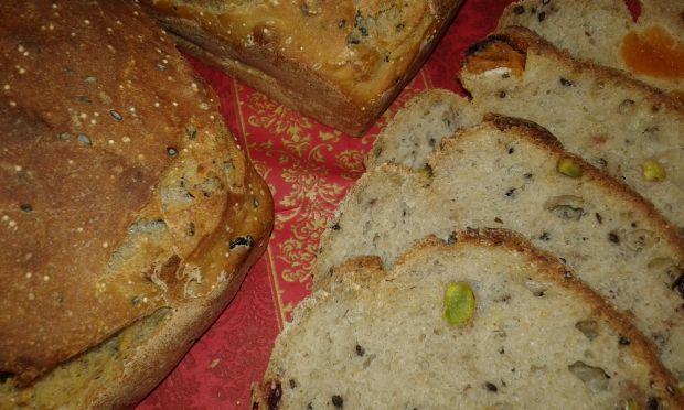 Chlebek żurawinowo - morelowy na mące chlebowej
