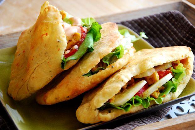 Chlebki naan z nadzieniem a'la kebab