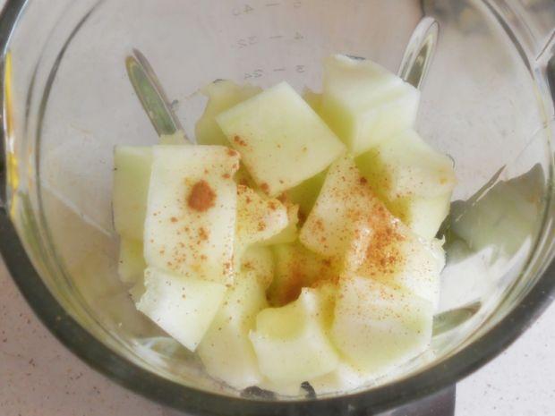 Chłodnik z melona i borówek
