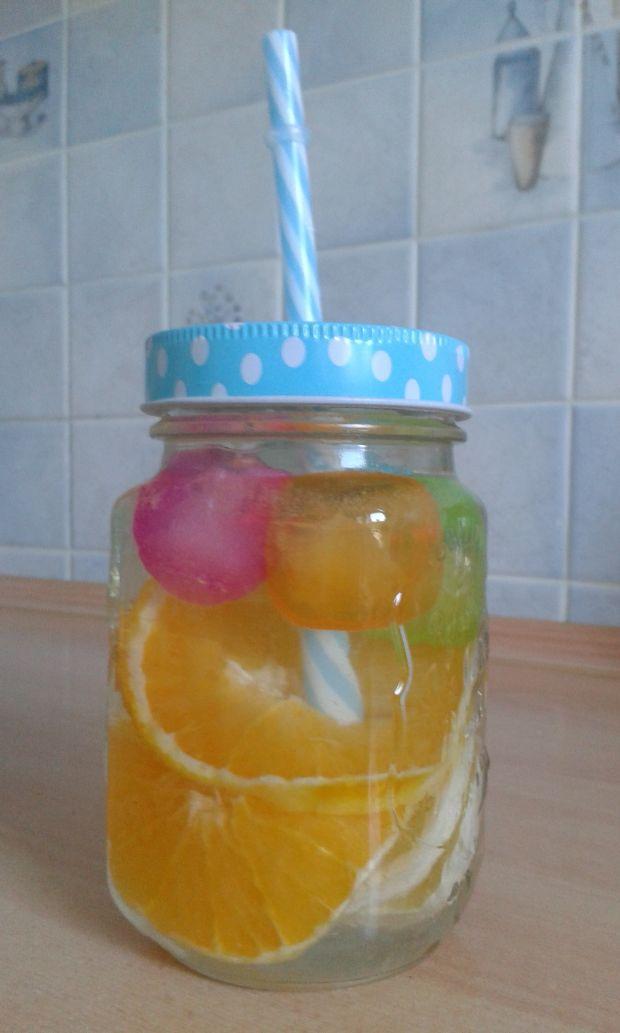 Chłodzący drink na lato