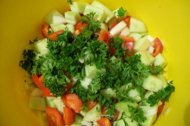 Chrupiąca sałatka warzywna