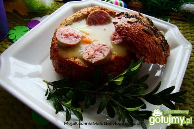 Chrzanowy żurek w chlebie