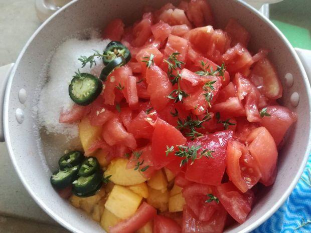 Chutney pomidorowo-nektarynkowy z habanero