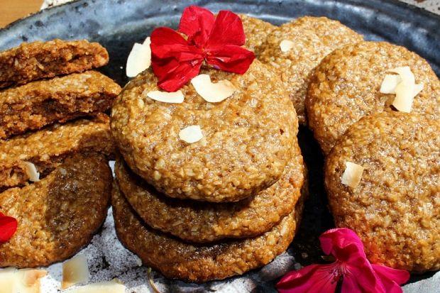 Ciągnące się ciasteczka sezamowo-kokosowe