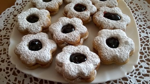 Ciasteczka cynamonowe przekładane powidłami