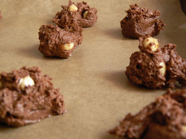 Ciasteczka czekoladowe z orzechami laskowymi