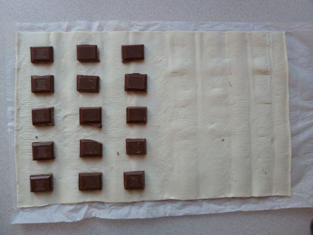 Ciasteczka francuskie z czekoladą (2 składniki)