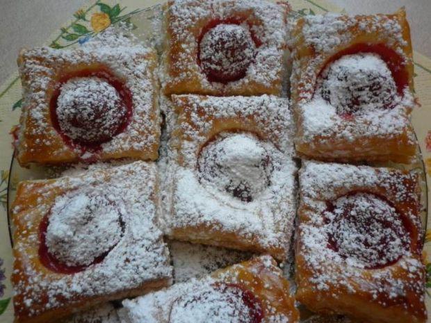 Ciasteczka francuskie z truskawką