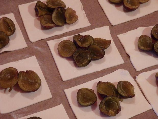 Ciasteczka francuskie ze śliwką wegierką