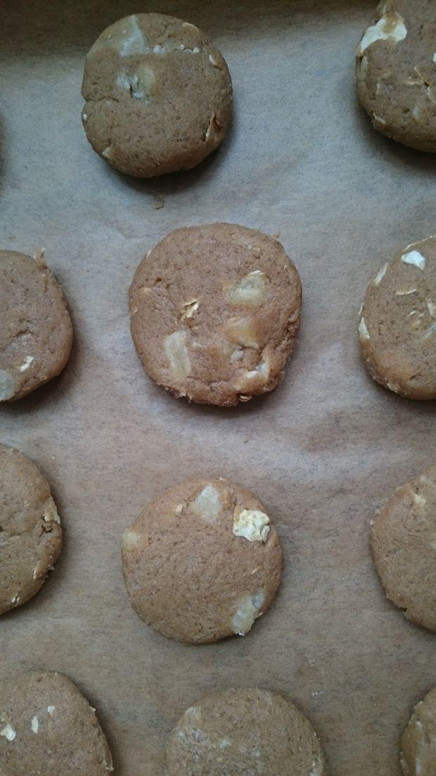 Ciasteczka kasztanowe z aloesem kandyzowanym