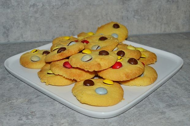 Ciasteczka kukurydziane z drażetkami (bez jajek)