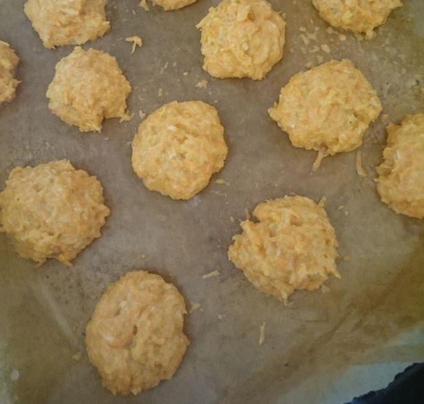 Ciasteczka marchewkowo-kokosowe