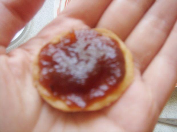 Ciasteczka maślane z marmoladą różaną