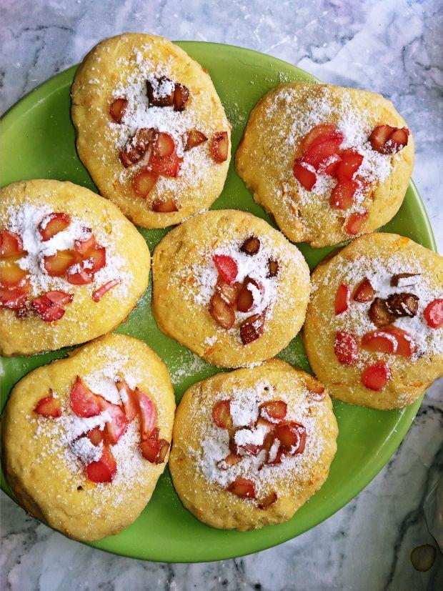 Ciasteczka nagietkowe z rabarbarem.