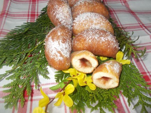 Ciasteczka oponkowe z dżemem truskawkowym