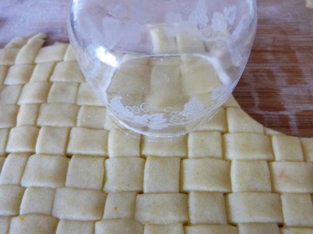 Ciasteczka plecione z cytrynową nutką