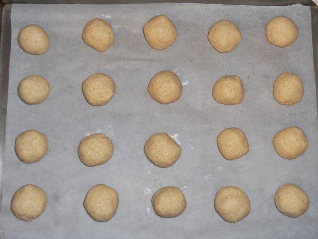 Ciasteczka z kleiku ryżowego z wisienką
