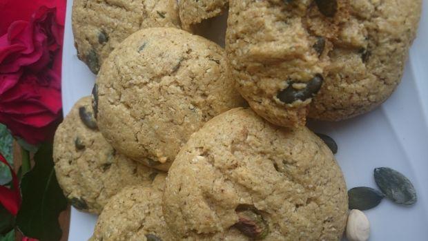 Ciasteczka z mąki z orzechów nerkowca lekko solone
