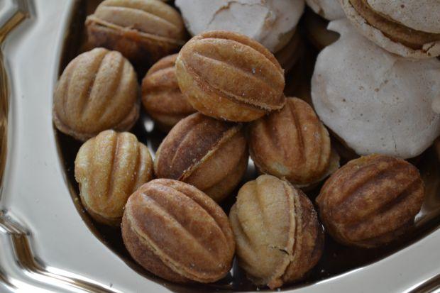 Ciastka orzeszki z kremem orzechowym
