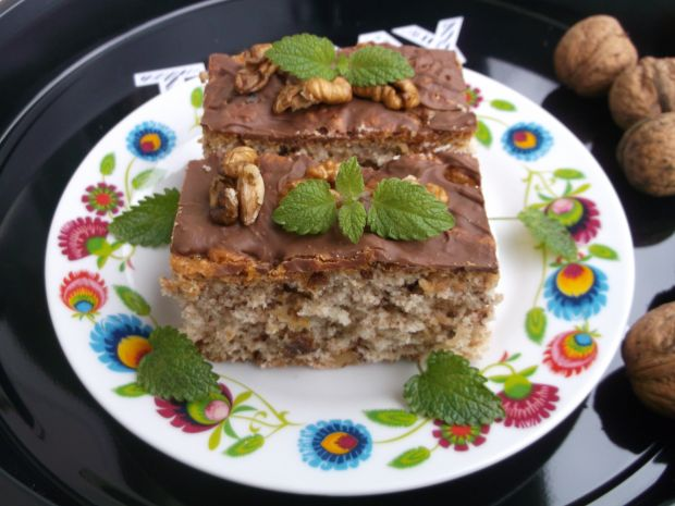 Ciasto bakaliowe z polewą czekoladową