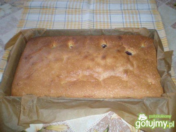 Ciasto biszkoptowe z czereśniami