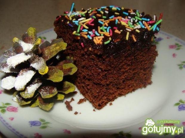 Ciasto czekoladowe z kolorową posypką