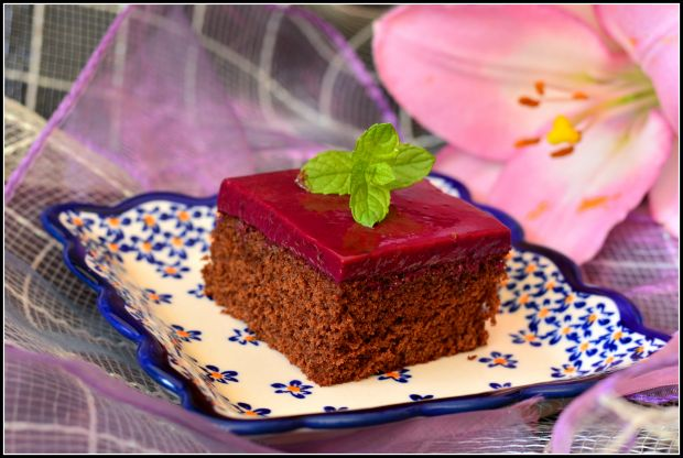 Ciasto czekoladowe z masą porzeczkową