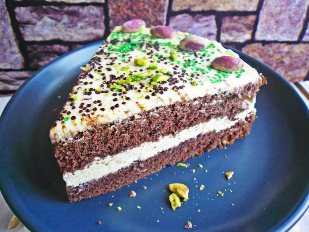 Ciasto czekoladowe z masą serowo- pistacjową