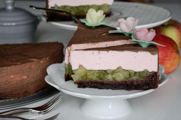 Ciasto czekoladowo jabłkowe z delikatną pianką