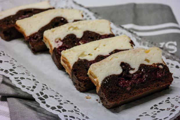 Ciasto czekoladowo-serowe z wiśniami