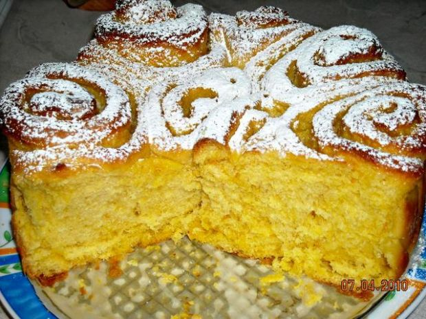 Ciasto drożdżowe (róża)