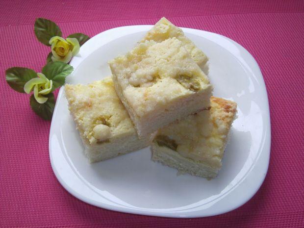 Ciasto drożdżowe z serem i rabarbarem