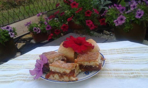 Ciasto drożdżowe ze śliwkami mirabelkami