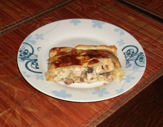 Ciasto francuskie z kurczakiem i warzywami