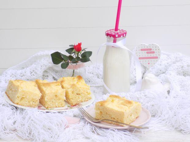 Ciasto jogurtowe z białym serem