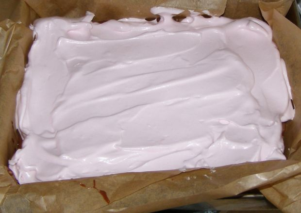 Ciasto kakaowe z pianką bezową