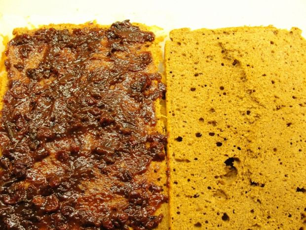 Ciasto kawowe z powidłami i bitą śmietaną