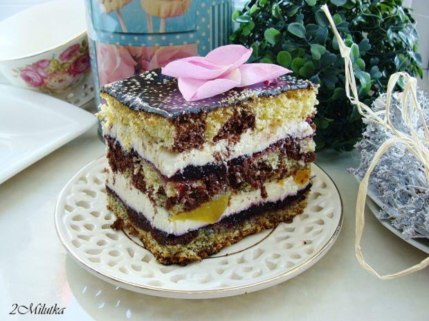 Ciasto kolorowe z brzoskwiniami