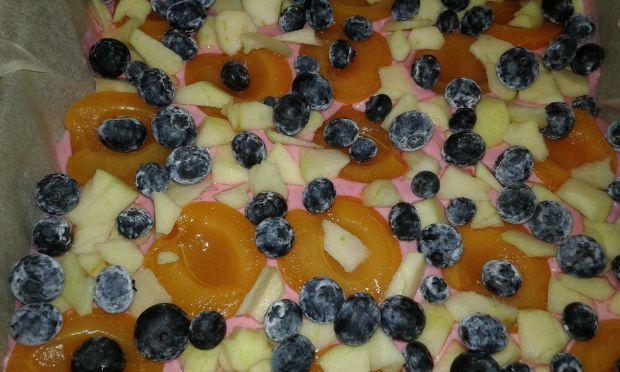 Ciasto kruche z owocami i pianką truskawkową