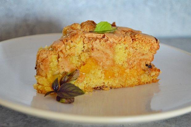 Ciasto kruche z pianką i brzoskwiniami