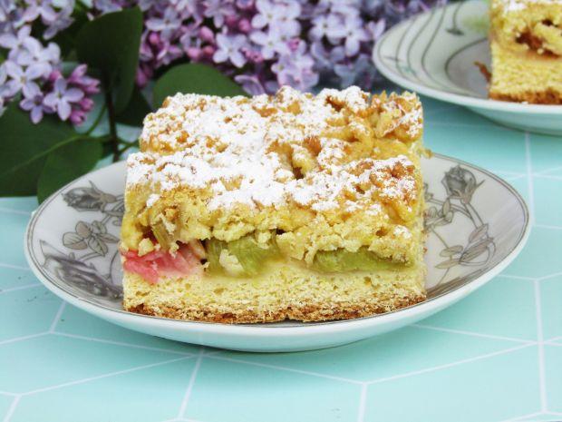 Ciasto krucho- drożdżowe z rabarbarem