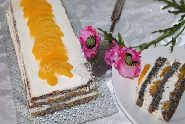 Ciasto makowe z brzoskwiniami